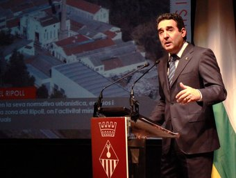 Manuel Bustos, ahir, durant el seu discurs d'any nou al Vapor Llonch de Sabadell E.A