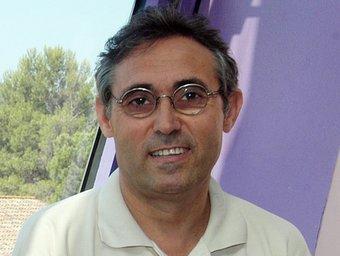 Francesc Martos, a la seu del PTV, a Cerdanyola.  ORIOL DURAN