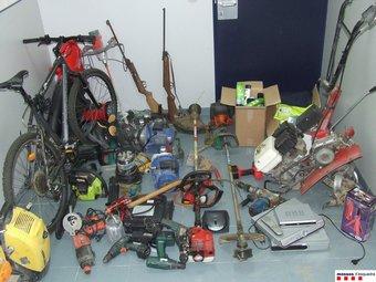 Part del material comissat pels Mossos en robatoris efectuats a Torroella de Montgrí i l'Estartit. EL PUNT