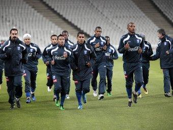 Els jugadors d'Hondures, ahir en l'entrenament.  ROBERT RAMOS