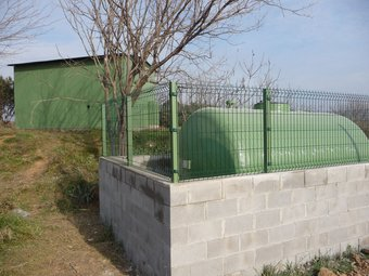 El dipòsit i la caseta de bombeig de lixiviats de Can Planas s'han renovat. C.A.F