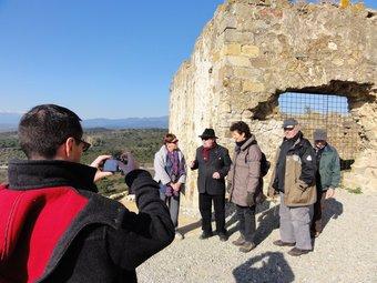 de la visita que van fer l'entitat Salvem Querroig al castell de Quermançó EL PUNT