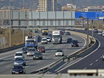Imatge presa ahir de l'autopista A-2 al seu pas per Molins de Rei un dels trams on s'aplica des del 2008 el límit de velocitat a 80 quilòmetres per hora. JUANMA RAMOS