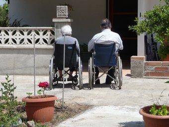 L'atenció domiciliària a persones dependents és gestionada a set municipis pel Consell Comarcal del Maresme. A.M