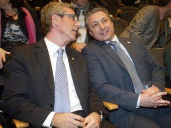 L'alcalde Ballesteros i Mario Rigau.  JUDIT FERNÀNDEZ