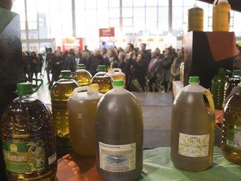 A la fira es pot trobar oli d'oliva de cooperatives de la Ribera d'Ebre, la Terra Alta i el Priorat. TJERK VAN DER MEULEN