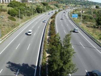El secretari de Mobilitat va dir divendres que valora fer la nova via aprofitant la calçada de la C-32. G.A