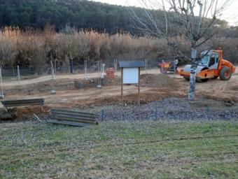 Màquines treballant al Parc de la Riera de Cerdanyola aquest mes de febrer. J.R. URBANO