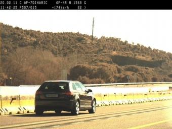 El cotxe enxampat pels Mossos d'Esquadra en un control de velocitat a l'AP-7, a Capmany. MOSSOS D'ESQUADRA