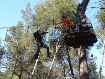 Unes usuàries a les instal·lacions del Bosc Tancat divendres passat al migdia. C.A.F