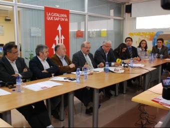 Representants del PSC de l'Alt Penedès i el Garraf debatent sobre plans de mobilitat a Canyelles el maig de l'any passat MIRIAM DE LAMO