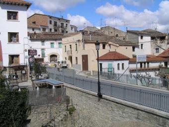 L'entrada al poble en una imatge d'arxiu Albert Mercader