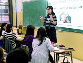 Una classe de formació financera a l'IES La Sedeta de Barcelona.  INSTITUT D'ESTUDIS FINANCERS