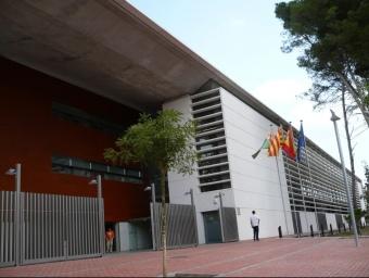 L'edifici dels jutjats , situat al passeig d'Horta, acollirà la nova antena de telefonia mòbil. J.A
