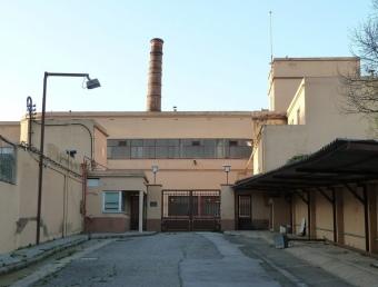 L'antiga fàbrica de Can Sanpere, inactiva, vista des del carrer Sant Cristòfol. G.A