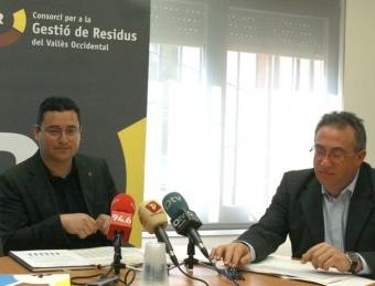 El president del consorci comarcal , Joan Carles Sánchez, i el gerent, Paco Fernández, ahir E.A