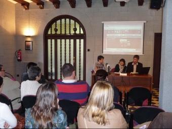 La presentació del concurs de música jove Giramaresme ahir a la sala noble de l'edifici del Calisay d'Arenys de Mar. T.M