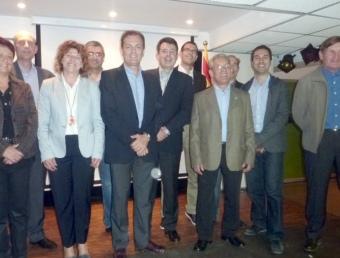 Els caps de llista de CiU al Pla de l'Estany, durant l'acte de presentació fet ahir al restaurant La Carpa, de Banyoles. R. E
