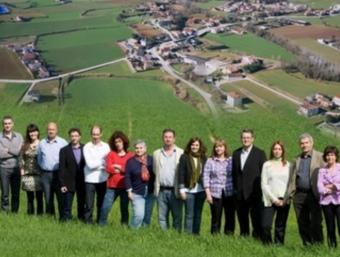 Els membres de la candidatura d'ERC de Camós. EL PUNT