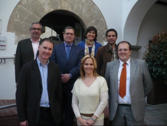 D'esquerra a dreta , a primer terme Àlex Acero (ViA-SI), Belén Quintero (PP), Estanis Fors (CiU), i al darrera Jordi Pera (ERC), Ramon Vinyes (PSC), Assum Balliu (ICV) i David Caldeira (CUP). E. FERRAN