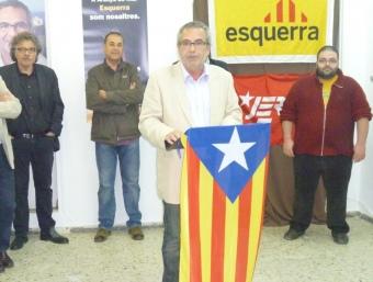 Pera en un acte de campanya i a l'esquerra Moreno que assumirà l'acte de regidora. EL PUNT