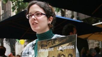 Una parada de discs de la Rambla de Girona. MANEL LLADÓ