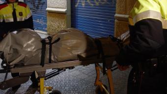 Una dona morta a mans de la seva parella a Gràcia.