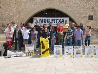 Presentació del joc d'escacs de la CUP que convidava els vilanovins a moure fitxa durant la campanya electoral el punt