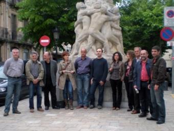 Imatge de família dels representants ecosocialistes de les candidatures de l'Alt Penedès aquest dilluns a Vilafranca EL PUNT