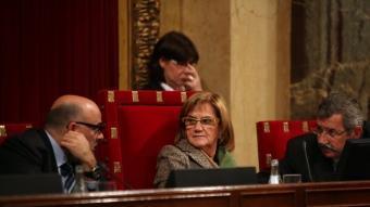 Lluís Corominas, Núria de Gispert i Higini Clotas, a la tribuna de l'hemicicle del Parlament ANDREU PUIG