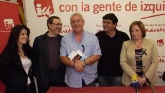 Lara, amb diversos candidats d'Esquerra Unida. REDACCIÓ