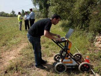 La Policia de la Generalitat va començar a inspeccionar ahir de nou la propietat, al polígon Riu Clar de Tarragona J. C. LEÓN