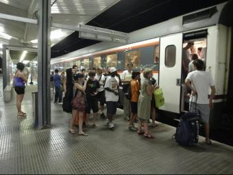 Els retards de la línia Bracelona-Portbou afecten el tram de circulació entre Girona i Caldes de Malavella. EUDALD PICAS