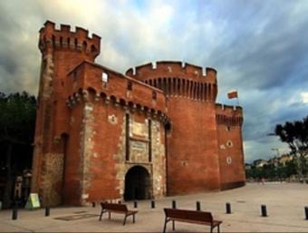 El Castellet és l'única porta de les muralles de Perpinyà que existeix encara.