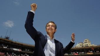 Zapatero va omplir ahir la plaça de bous de València –més de 15.000 assistents– en el seu primer gran acte d'aquesta campanya JOSÉ JORDÁN / AFP