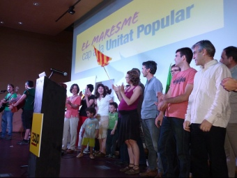 Els candidats de la CUP del Maresme en l'acte central comarcal celebrat a Mataró. LL.A