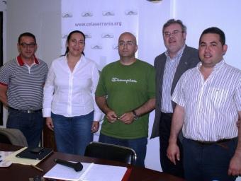 Polítics i moderadors del debat hagut a l'Ajuntament de Villar ple de gom a gom. PACA MONFORT