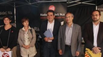 Domínguez, Garcia, Bustos, Rossinyol i Fernàndez, ahir al matí, abans del debat de Ràdio Sabadell.  E.A
