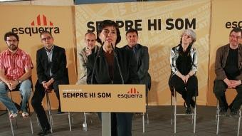 Palmada en l'acte que va tancar la campanya electoral amb Ridao i Puigcercós M.LLADÓ