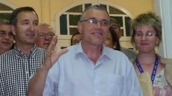 Pere Regull, celebrant la victòria diumenge a la nit a la seu de CDC de Vilafranca C.M