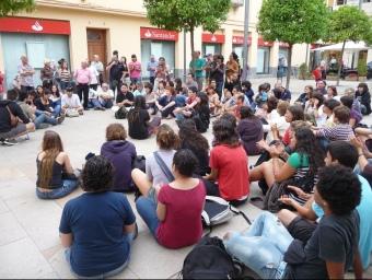 Un moment de la concentració que ahir va tenir lloc a la plaça de Catalunya de Pineda. T.M