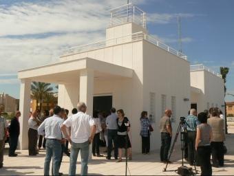 Edifici de la posta sanitària de la platja d'Oliva. CEDIDA