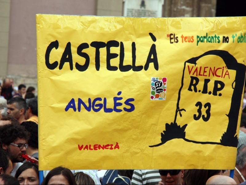 Manifestació contra el decret a València. REDACCIÓ