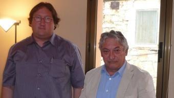 Pere Esteve (ERC) i Josep Fontanillas (CiU), amb la vara. A.V