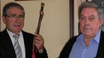 Rufino Guirador amb la vara d'alcalde, amb el soci de govern, el republicà Vicenç Cebrià, que serà alcalde el darrer any de mandat. A.V