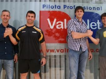 Cervera, Álvaro, Genovés II i Miguel posen a la seu de Val Net després del sorteig. CEDIDA