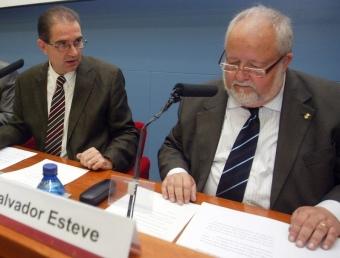 Esteve acompanyat del president en funcions, Antoni Fogué, precisament en unes jornades de la Diputació ANDREU PUIG