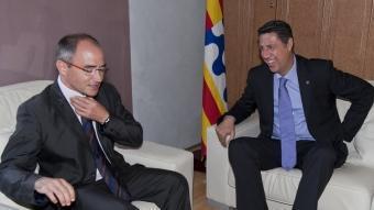 Xavier García Albiol i Ferran Falcó, durant la trobada d'ahir. ROBERT RAMOS