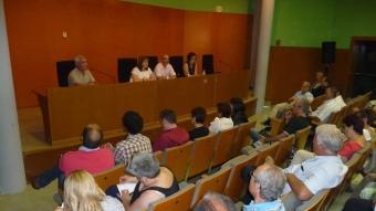 Un moment de l'assemblea del PSC de Santa Coloma, ahir al vespre, a la sala d'actes del museu I. M