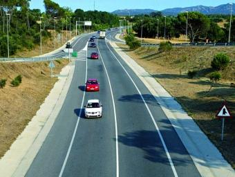 """Desdoblament de la carretera de Vidreres a Platja d'Aro, fet pel sistema de """"peatge a l'ombra"""